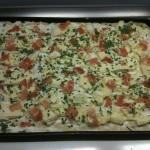 La ciboulette sur la pizza au camambert
