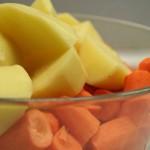 Patates et carottes en morceaux