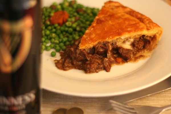 Steak, guinness and cheese pie