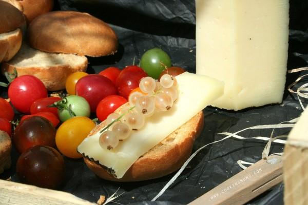 Fromage et groseilles