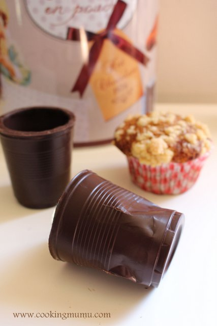 Gobelet froissé en chocolat