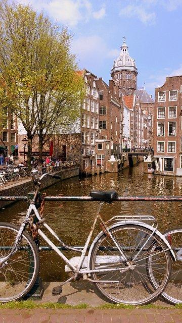 1er contact avec Amsterdam