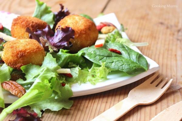 Salade jeunes pousses et Reblochon