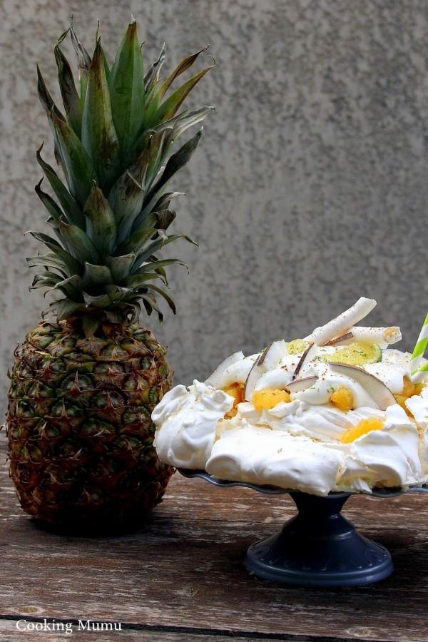 Ananas et pavlova