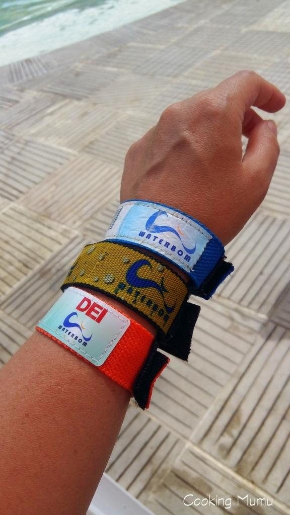 bracelets waterbom
